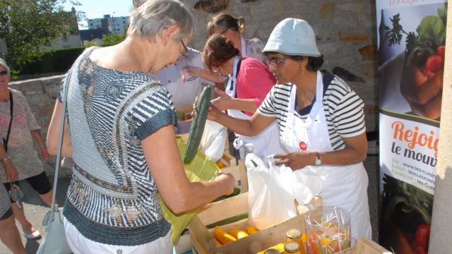 vannes-les-cuisiniers-solidaires-distribuent-pour-ne-pas-gacher